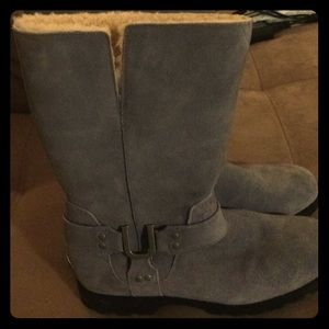 Grey uggs in a size 10. Perfect condition!